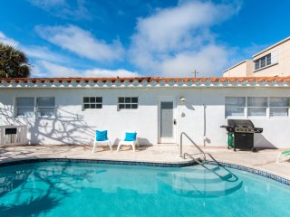 #4 Pompano Beach Villa 1 BR Apartment - Perfect location, close to the beach!