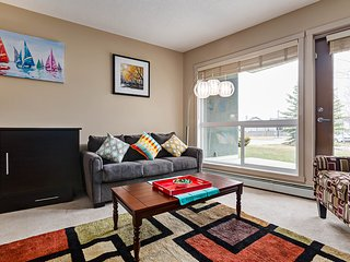 Beautiful Condo, 15 Mins From C-Train To Calgary Stampede Sleeps 6