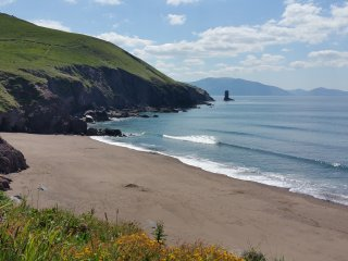 Luxury Home by Beach Great View of Dingle Bay.WIFI