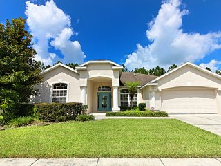 Lovely 4 bedroom 3 bath Highlands Reserve home 7 miles to Disney from $163nt
