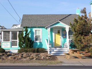 Circa 1953 beach cottage...this is 'old school' beach at it's best!, Nags Head