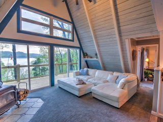 Open up sliding glass doors to let the lake breeze flow throughout the home.
