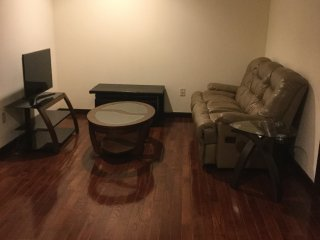 Dazzling 7th Fl. 3 BR/2 BA Condo with Shared Balcony Deck near PA Conv. Center