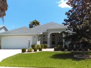 Union Place, The Villages: Large 3 Bedroom rental, lake views, club house & golf