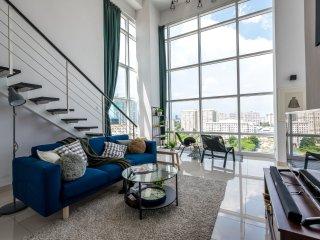 Seaview Duplex Suite, Maritime