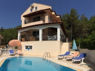 Luxury Villa with Private Swimming Pool. Views of The Babadag Mountains., Oludeniz