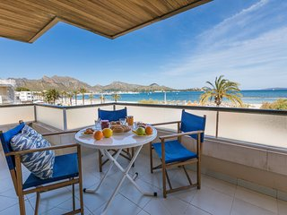 Tamarels - Spectacularly located beachfront apartment