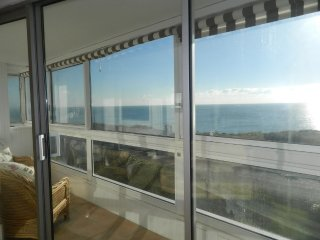 BOURNECOAST: Flat with panoramic SEA VIEWS & BALCONY in Southbourne - FM791