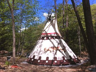 Sioux Tipi on the waterfall