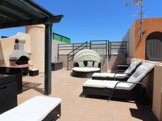 A 200m playa con WiFi, terraza y piscina privada