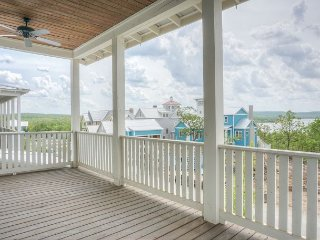 Picturesque home with views of Lake Eufaula!