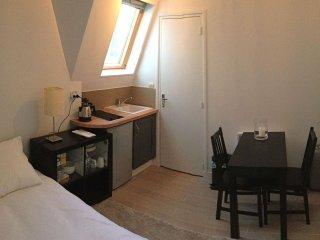 Place des Victoires apartment in 02ème - La Bourse with WiFi.