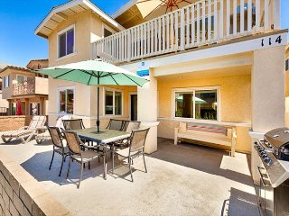 25% OFF OPEN AUGUST DATES - Ocean Views, Large Patio, 2 Houses from Beach!