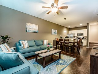 Beautiful 3Bed 2Bath LUCAYA VILLAGE RESORT townhouse 6 miles to Disney from $123