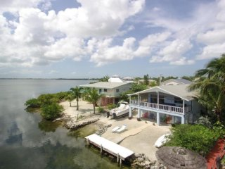 Open Ocean & Sunset views Priv Home & Launch 1w $2700, 2wks $ 3200, 3wks $4000