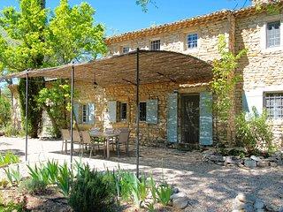 Mas provencal, piscine privee, a Gordes, Provence, calme et repos