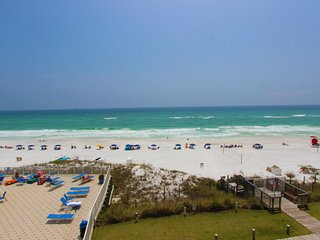 Beach front condo with gulf views!!! Pool, kiddie pool, arcade, shuffle board!!