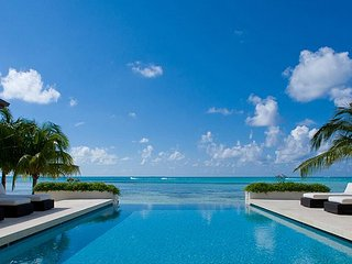 "5BR ""Sun Salutations,"" A Luxury Cayman Villas Property - 20% OFF SPECIAL!"