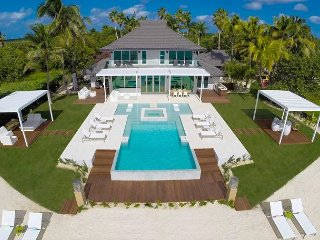 "6BR ""Tranquility Cove,"" A Luxury Cayman Villas Property"