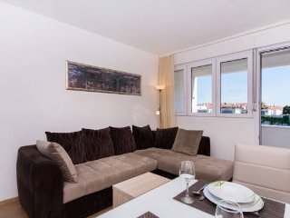 Apartment Gundul - Two-Bedroom Apartment with Balcony and City View, Split
