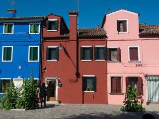 Ca' Burano, casa luminosa, ristrutturata, rifiniture artigianali di pregio