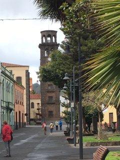 Ciudad de La Laguna a 20 minutos en coche.