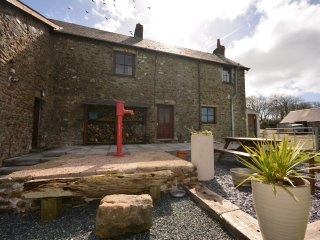 51201 House in Broad Haven, Tiers Cross