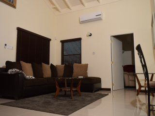 Relax Villa - Singles, Couples and Family friendly offering free breakfast