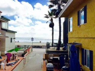 ~THE GORGEOUS REDONE BEACH HOUSE - Experience of a Lifetime~