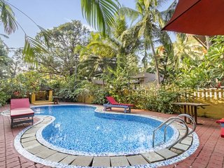 4-BHK villa with a private pool, 1 km from Calangute Beach
