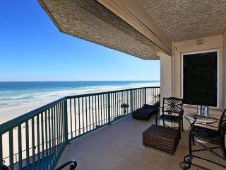 JUNE/JULY $PECIALS -  TOWERS GRANDE CONDOMINIUM - DIRECT OCEANFRONT-3BR/3BA-#403, Daytona Beach