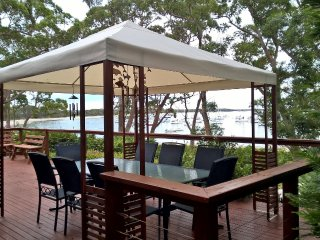 CARINYA BEACHFRONT ON JERVIS BAY - an absolute beachfront, wonderful bay views