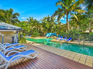 Blue Sky Apartments - Turtle Beach 2 Bedroom  GB