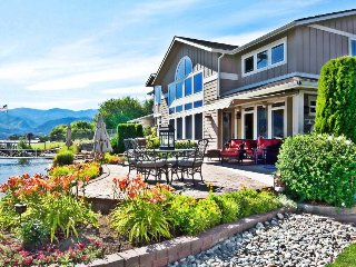 Stunning lakefront home w/ great patio, two master suites, & private boat slip, Manson