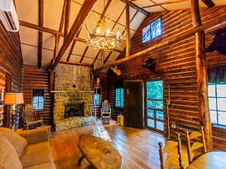 Cozy & Rustic Two Bedroom Log Cabin nestled on a beautiful stream!