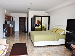Spacious and Cozy room-View Talay 6 Condo