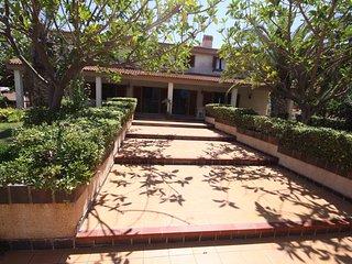 Amplia villa con un  jardin cerca del Mar Menor y el Mediterraneo (Villa Rosana)