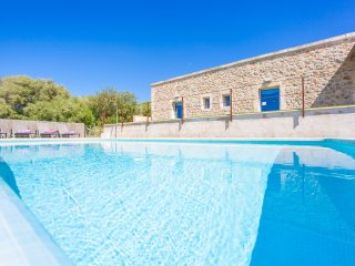 ES GASSONS - Villa for 6 people with private pool in Maria de la Salut