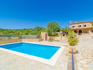 Villa for 14 guests in Son Macia
