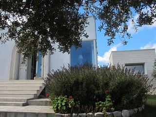Otranto,casa  e annesso indipendente immersa  tra gli ulivi