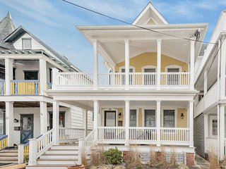 Gorgeous Luxury Home - 1.5 blocks to Ocean, Ocean Grove