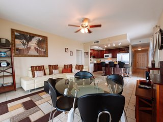 Best Prices,Large Condo with Wrap Around Balcony,, Panama City
