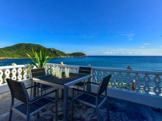 Romantic, Stunning Views, Oceanfront, Private House 2BD/2BT Fully Furnished, Saint Mary Parish