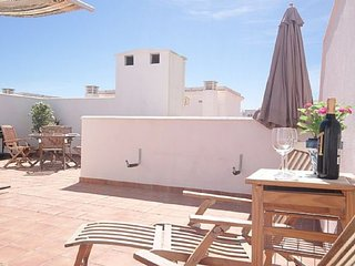 2B 2BTH Penthouse APT AC WiFi Parking 10min walk to Balcon de Europa T9902