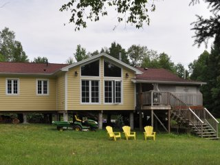 Cottage at Burnt River (Kawartha Lakes)