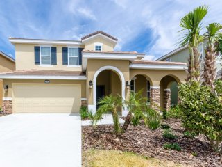 Marvelous 5BR 4Bath SOLTERRA home with south pool/spa, 2KING, 2Queen from $158nt