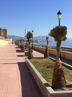 The promenade towards Sabinillas