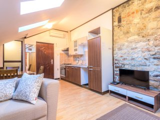 Bajamontijeva Central Palace Apartment 6pax