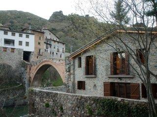 Antiguo molino en la localidad de Gerri de la Sal. Casa espectacular.