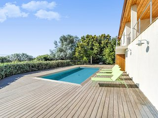 Maison avec piscine, vue mer et montagnes